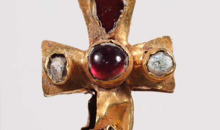 Small gold cross-reliquary